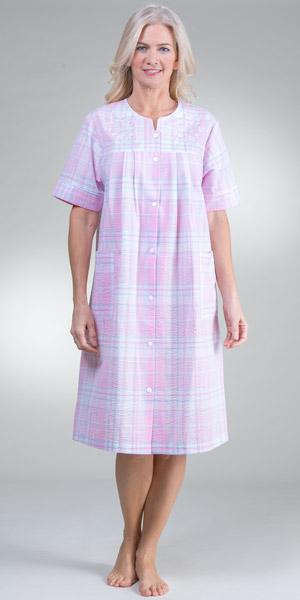 Short-Seersucker-Robe-Miss-Elaine-Pink-Plaid-854629-976-B